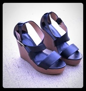 Shoes - BANANA REPUBLIC Wedge Ladies Shoes 7